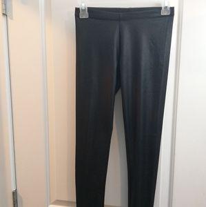 3/ $15 Black legging size small ardenes